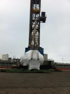 Piezas de 50 tons + accesorios: Operativa completa de manipulaciones Portuaria: Recepción, almacenaje, arrime y carga a buque con grúa de tierra